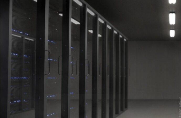 Mit diesen Investitionskosten müssen Sie bei einem guten Serverschrank rechnen